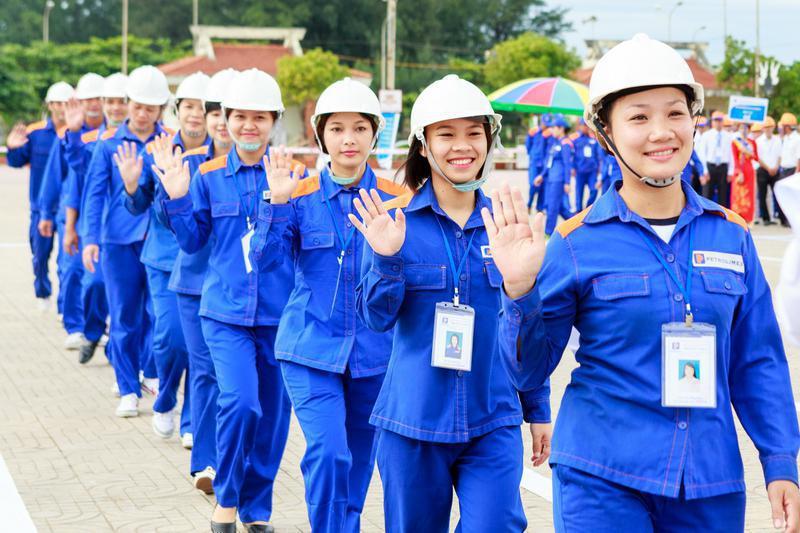 Tầm quan trọng của quần áo bảo hộ lao động