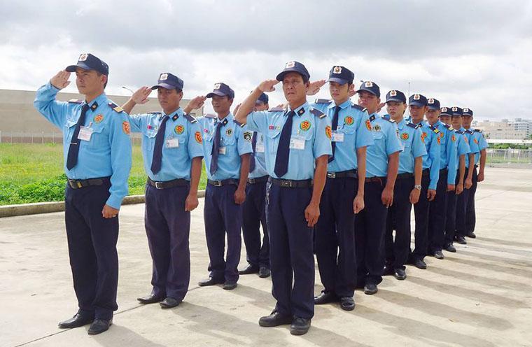 Vẻ đẹp riêng của đồng phục bảo vệ